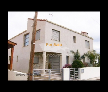 House with swimming pool in Ayia Varvara, ID 584