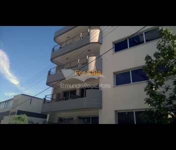2 bedroom flat for sale in Lycavitos, ID 782