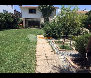 Elegant house in the heart of Srovolos, ID 828