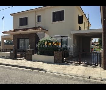 Superb house in Laktamia, ID 830